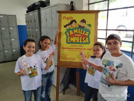 Filhos dos colaboradores da unidade Itaú de Minas