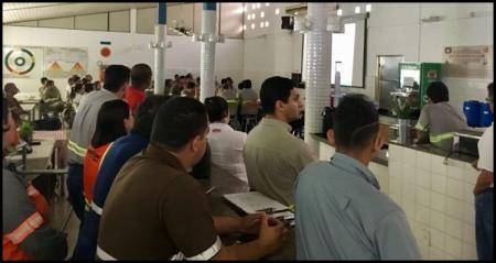 Participantes do DDS Integrado acompanhando a palestra