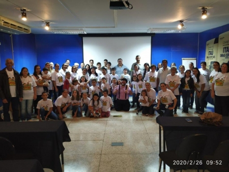 Familiares dos colaboradores da unidade Itaú de Minas