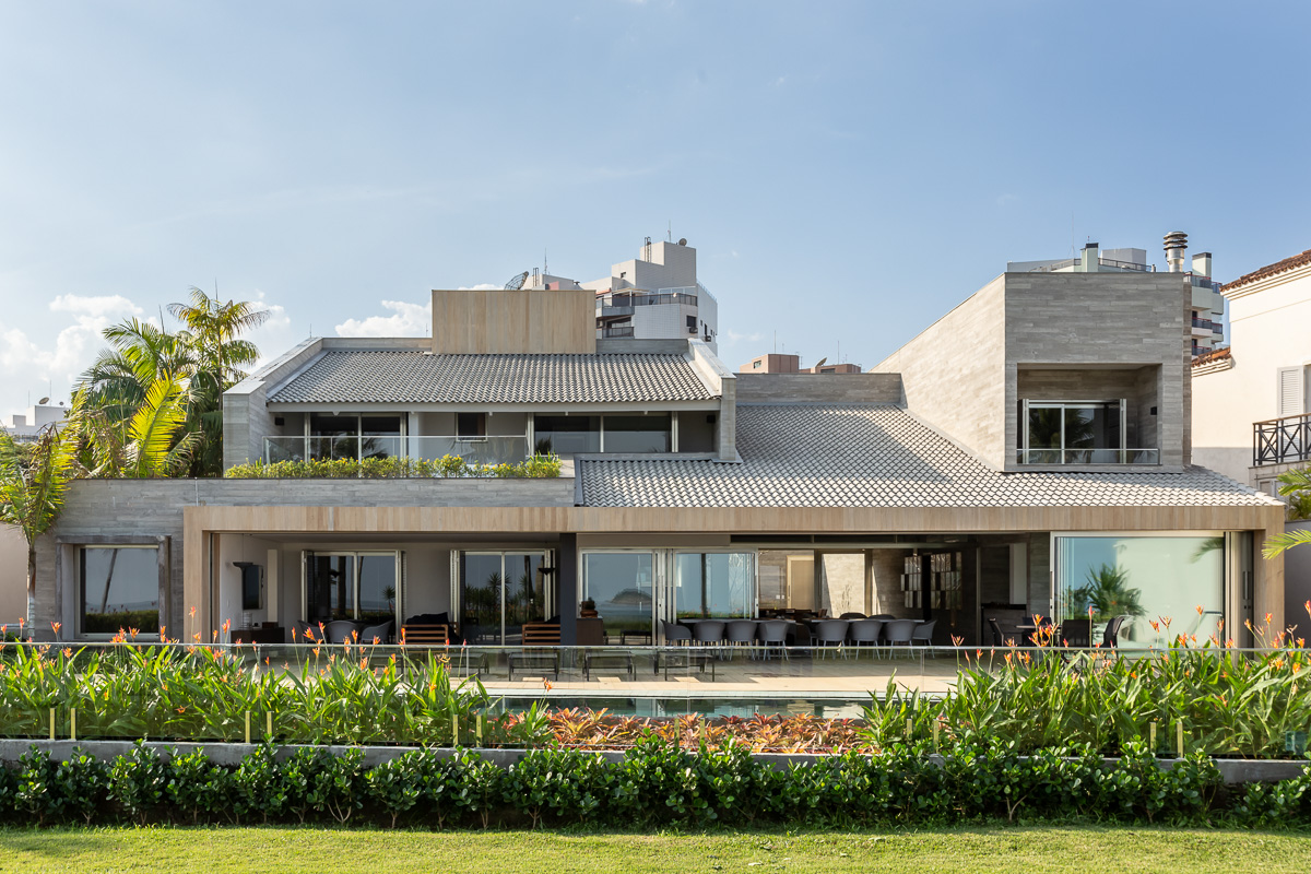 Residencia Riviera com Basiches